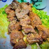 Brochette d'agneau grillé