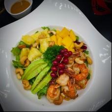 Salade tropicale de scampi grilé